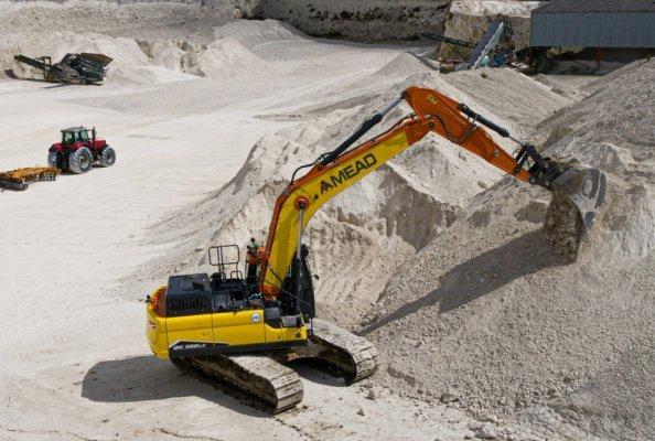 Doosan crawler excavator a new DX300LC-7
