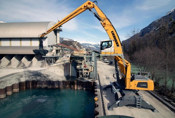 Fully operational for a Swiss natural product: the Liebherr LH 60 M Port Litronic material handler will assist in the quarrying and production of the trademark product Brienzer Sand®.