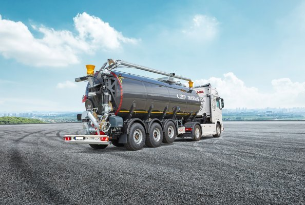Slurry logistics in a class of its own - with the Fliegl STF 30000 Truck Line Top semi-trailer transport tanker
