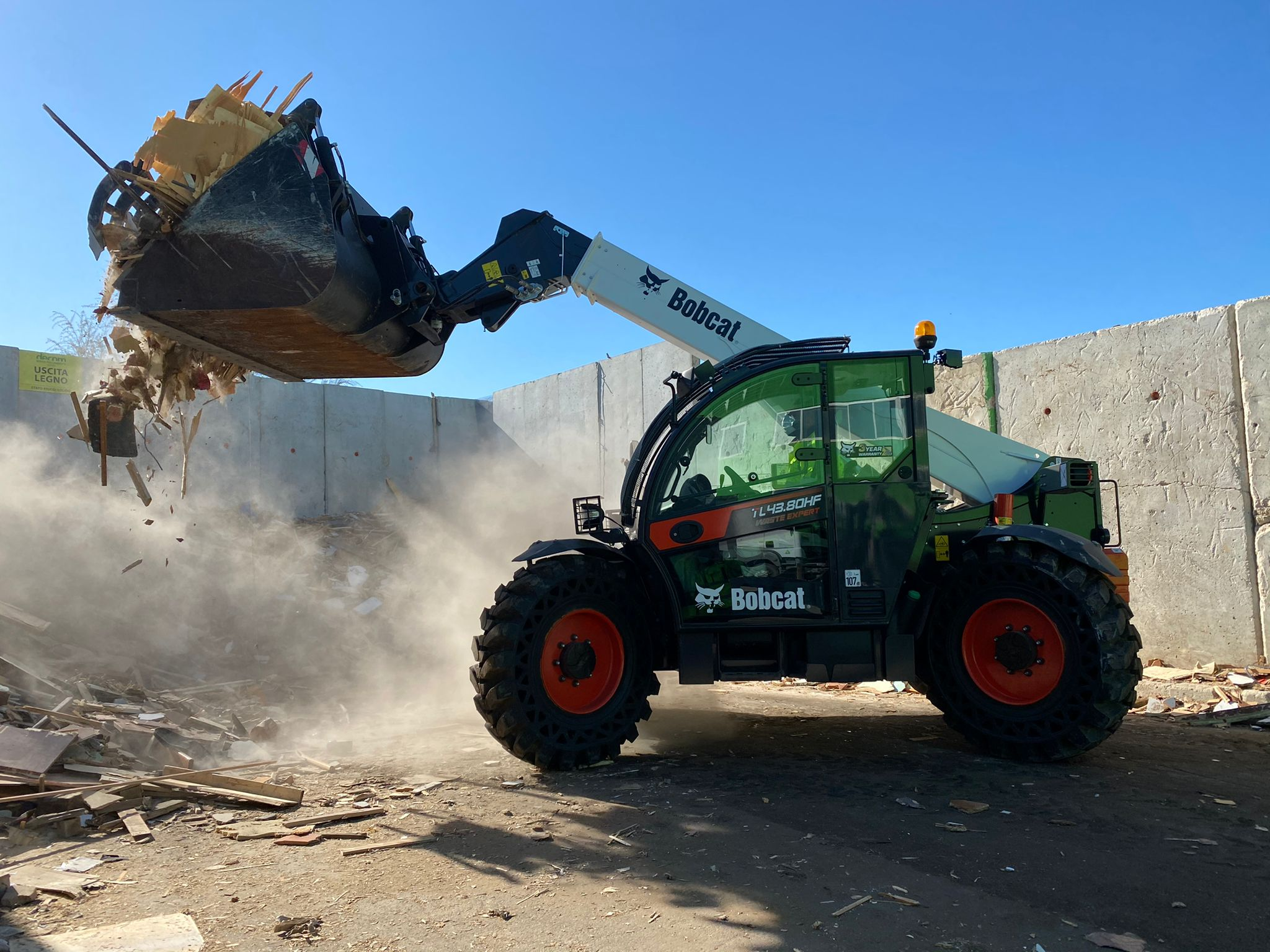 L43.80HF Waste Expert (Image source: Doosan Bobcat EMEA)